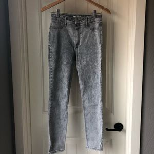 Abercrombie & Fitch grey high rise skinny jeans